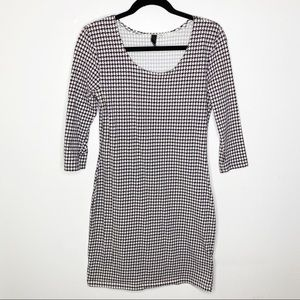 H&M Divided Houndstooth Dress